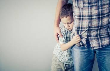 Como lidar com a timidez na infância